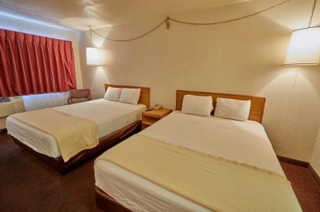 Welcome To EZ 8 Motel Newark California - 2 Queen Beds